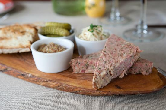 La Mangeoire: Homemade Country Style Paté