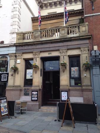 Lloyds No. 1 Bar