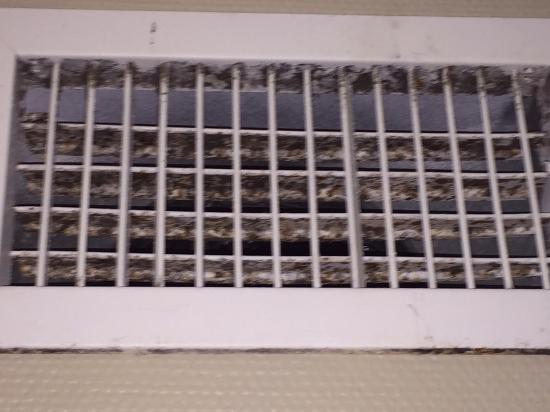 Postcard Inn Beach Resort & Marina: air vent