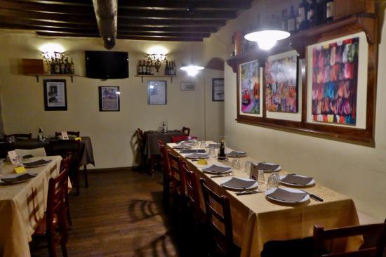 Vicchio, Italia: Gepflegter Gastraum