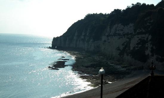 Bay View Guest House: Beach