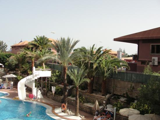 Piscina del neptuno hotel picture of hotel neptuno gran for Piscina playa del ingles