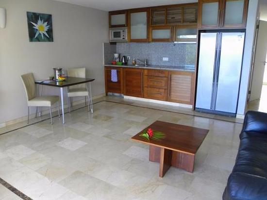 Bonaire Seaside Apartments: Kitchen area