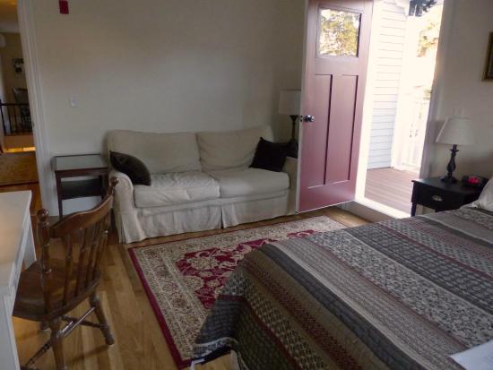 Cobble Hill Room - Picture of Davis Square Inn, Somerville ... | furniture davis square