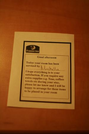Premier Inn Chesterfield North Hotel : Note from the lady who cleaned our room - a really nice touch!