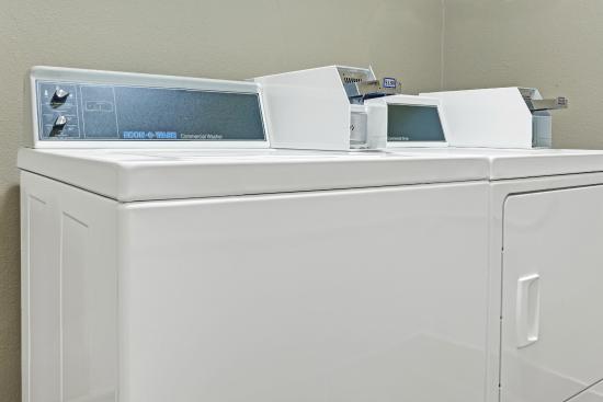 أيوا سيتي ترافيلودج: Guest Laundry
