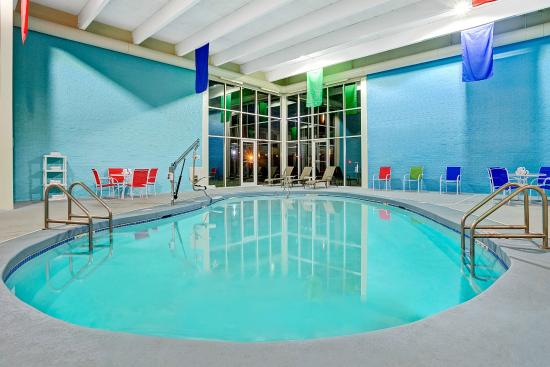Travelodge Iowa City: Pool Area