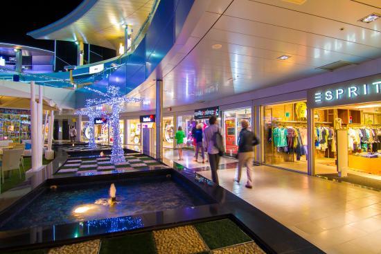 Plaza del duque shopping center planta 1 picture of - Centro comercial del mueble tenerife ...