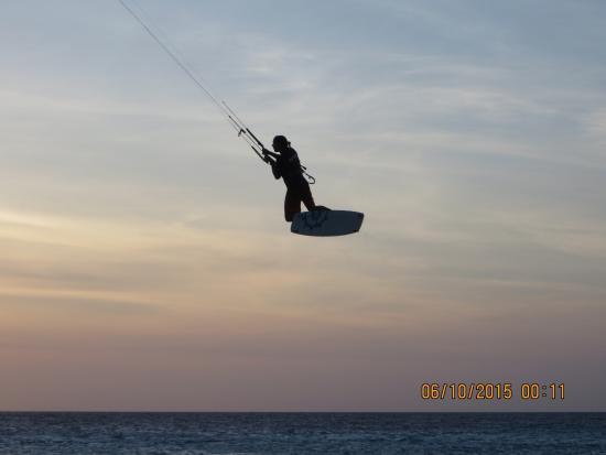 Kiteboarding Bonaire: great jump