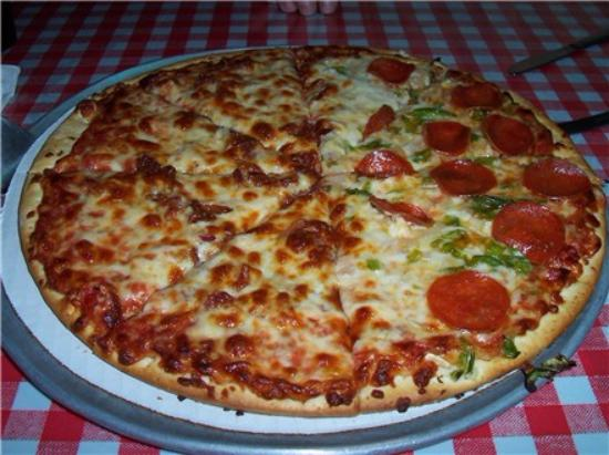 Gino's East: Gino's Chicago Style Pizza