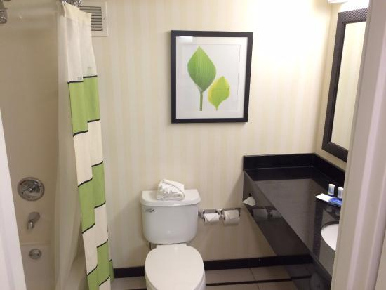 SpringHill Suites Orlando Lake Buena Vista In Marriott Village: Nice  Bathrooms