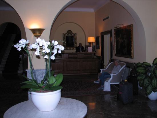 Majestic Palace Hotel: ENTRANCE
