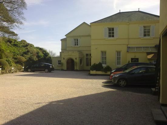 Kingswear Park Club's Main Entrance