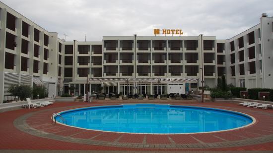 Swimming pool bild von hotel kolovare zadar tripadvisor for Hotel design zadar