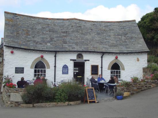 Boscastle, UK: Outside Tea Room
