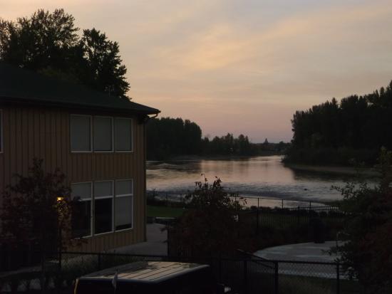 Life Northwest RV & Lodging