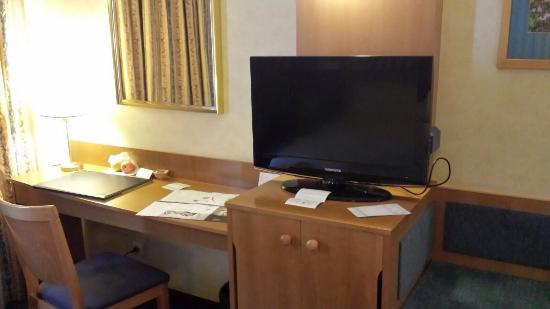 Gran Versalles Hotel : Reception e camera standard