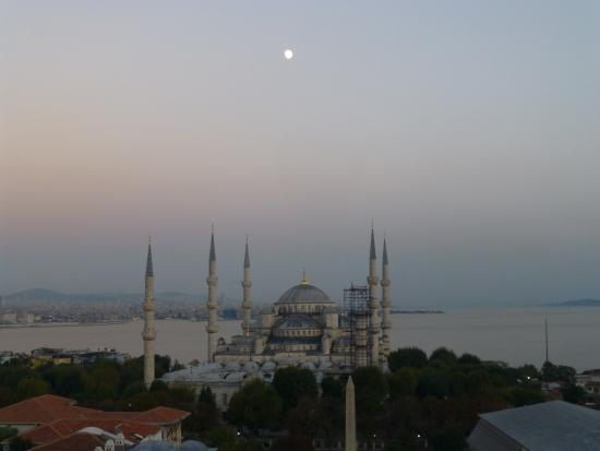 Fine Dine Istanbul: The Blue Mosque (Sultanahmet Camii) from Fine Dining Istanbul with the Bosphorous and Sea of Mar
