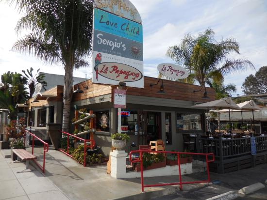 Le Papagayo: Front of restaurant