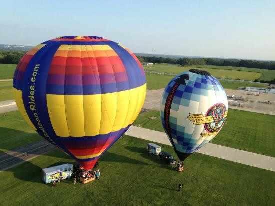 Lebanon, OH : 2 of several balloons