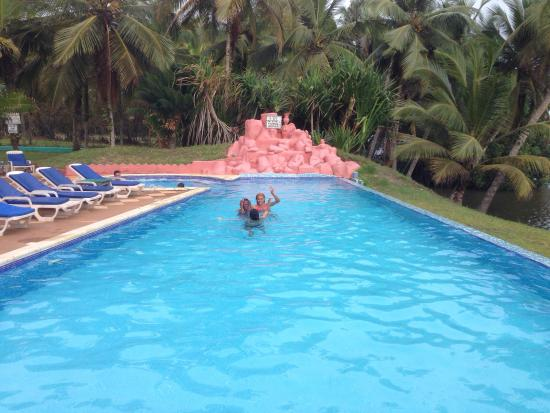 African Queen Lodge : Good fun at Assinie!