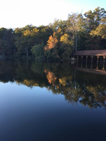 Cumberland Mountain State Park Cabins Campground: Lake offers kayak  rentals, paddle boats and fishing.