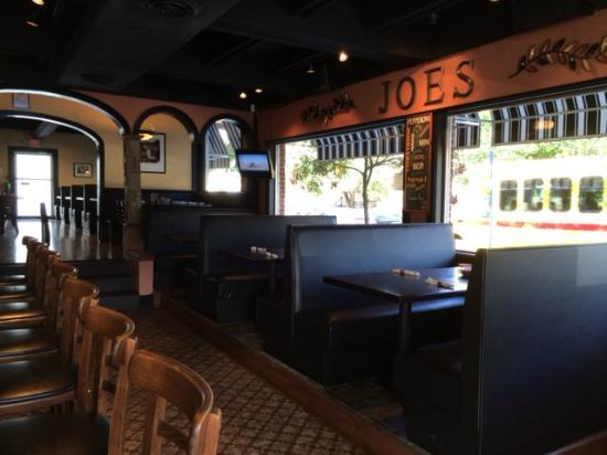 Joe S Restaurant Booths In Bar Area