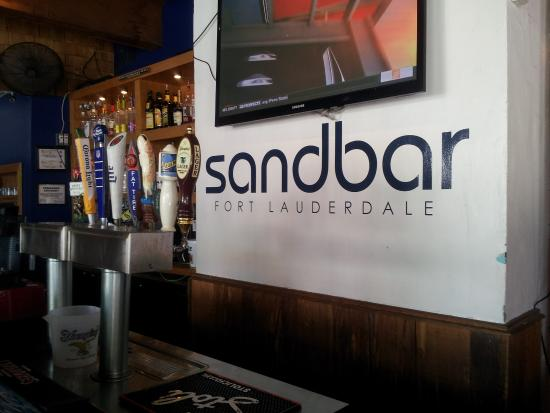 Sandbar : Great place to watch a ballgame