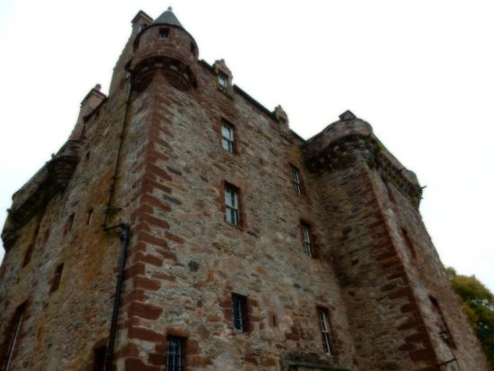 Inverness  Day Tours: Castle Leod, owned and occupied by Laird MacKenzie