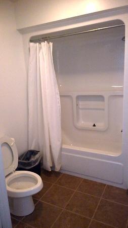 Piedmont, Миссури: view of bathroom