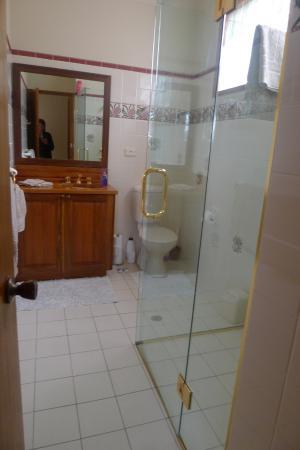 Oyster Bay, Australien: La salle de douche avec wc