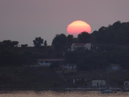 Hotel Oasis Massouri: Amazing sunsets from our balcony