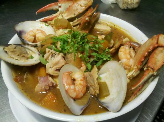 Caldo siete mares picture of los cabos restaurant for Cocinar 7 mares