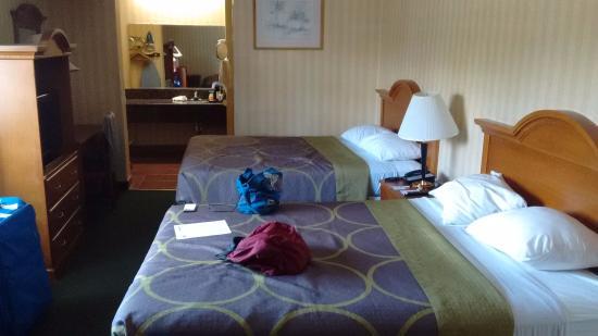 307 top floor in the corner overlooking disneyland dr. Black Bedroom Furniture Sets. Home Design Ideas