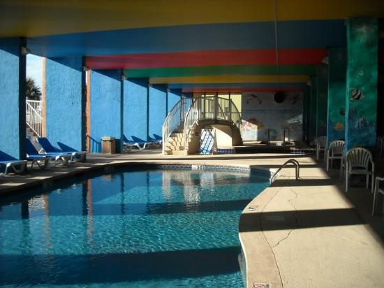 Indoor outdoor pool picture of monterey bay suites for Pool show monterey
