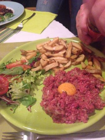L'Epicurien : We read about this restaurant on trip adviser and we're all really excited about an authentic Fr
