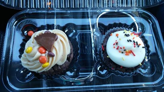 Nadia Cakes Cupcake Shop: PB on left and Brownie on right