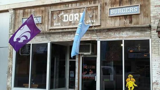 Wellington, KS: The Dore Grill & Bar