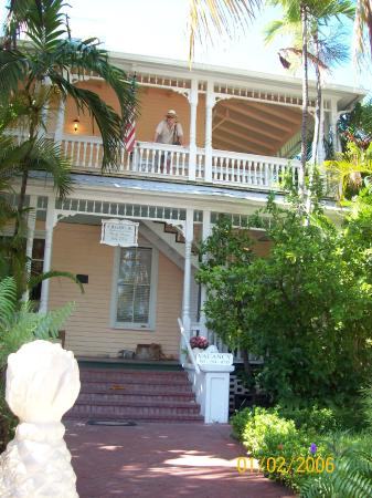 Southernmost Point Guest House: View From Street
