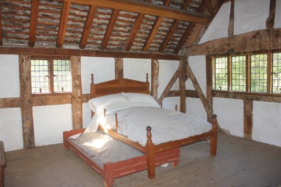 Staunton, VA: Many interesting bedroom recreations.
