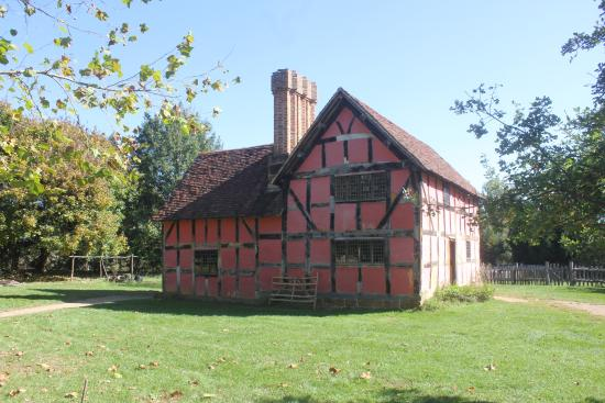 Staunton, VA: English house of 1600s.