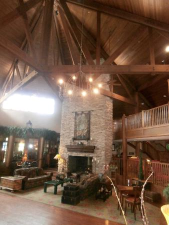 Cherry Valley Lodge: part of the lobby