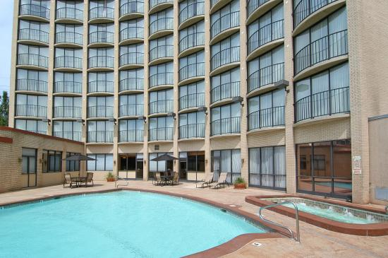 Hotel RL By Red Lion Salt Lake City: Hotel Outdoor Pool