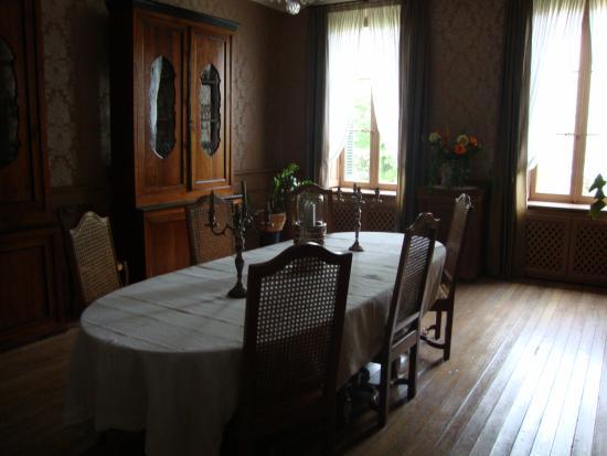 Demeure Saint Louis: Breakfast table
