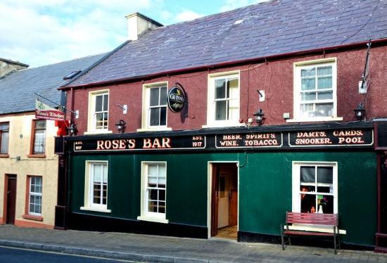 Creeslough, ไอร์แลนด์: Rose's Kitchen ~ Exterior