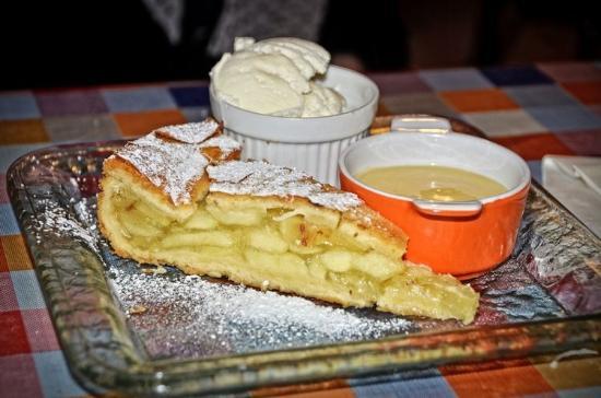 Creeslough, Irlandia: Rose's Kitchen ~ Apple Pie