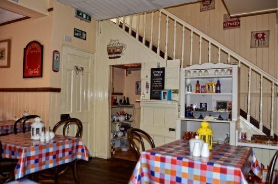 Creeslough, Irlandia: Rose's Kitchen ~ Interior