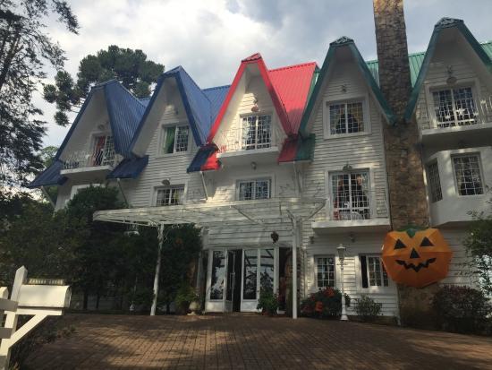 Canada Lodge: fundos da pousada