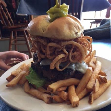 302 West Smokehouse & Tavern: The 302 Burger