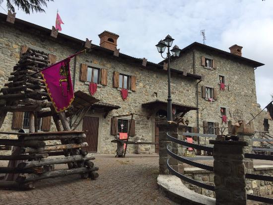 """Locanda """"Castello di Gusciola"""""""